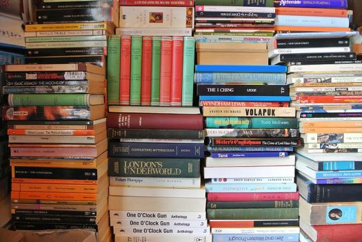 800px-Stack_of_Books